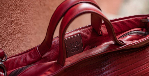 Boes 469, Rose Madder Leather Briefcase: zip fastening | Majo